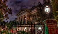 Maddie enters a haunted mansion